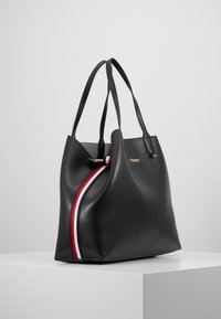 Tommy Hilfiger - ICONIC TOTE SOLID - Tote bag - black - 3