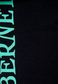 Bershka - Teplákové kalhoty - black - 5