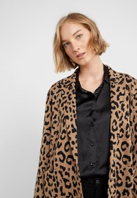 J.CREW - LEOPARD SOPHIE - Kardigan - heather acorn/black - 4