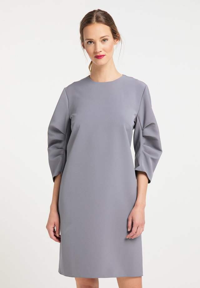Day dress - grau