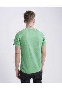 Superdry - VINTAGE CREW - Basic T-shirt - green - 2