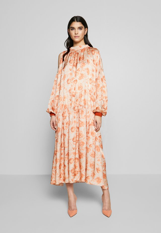 ELEANOR - Day dress - peach