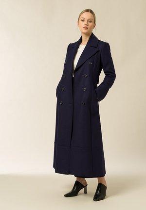MIT DOPPELTER KNOPFREIHE - Frakker / klassisk frakker - navy blue