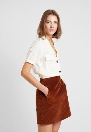 CROPEPD SAFARI - Button-down blouse - cream