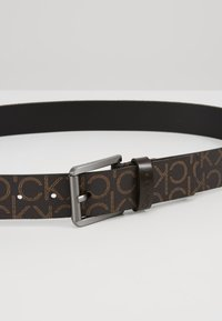 Calvin Klein - SEASONAL MONO BELT - Pásek - brown - 4