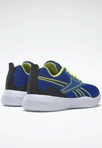 Reebok - REEBOK FLEXAGON ENERGY SHOES - Neutral running shoes - blue - 2
