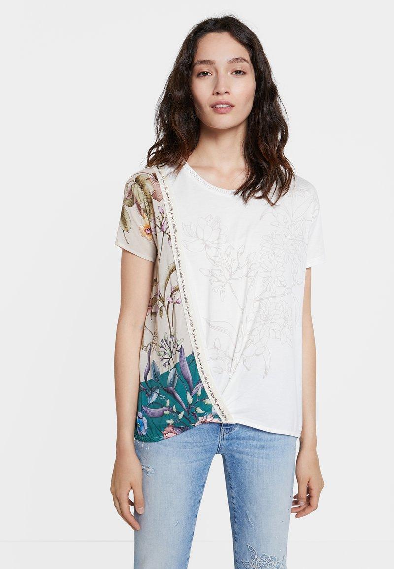 Desigual - EDIMBURGO - Print T-shirt - white