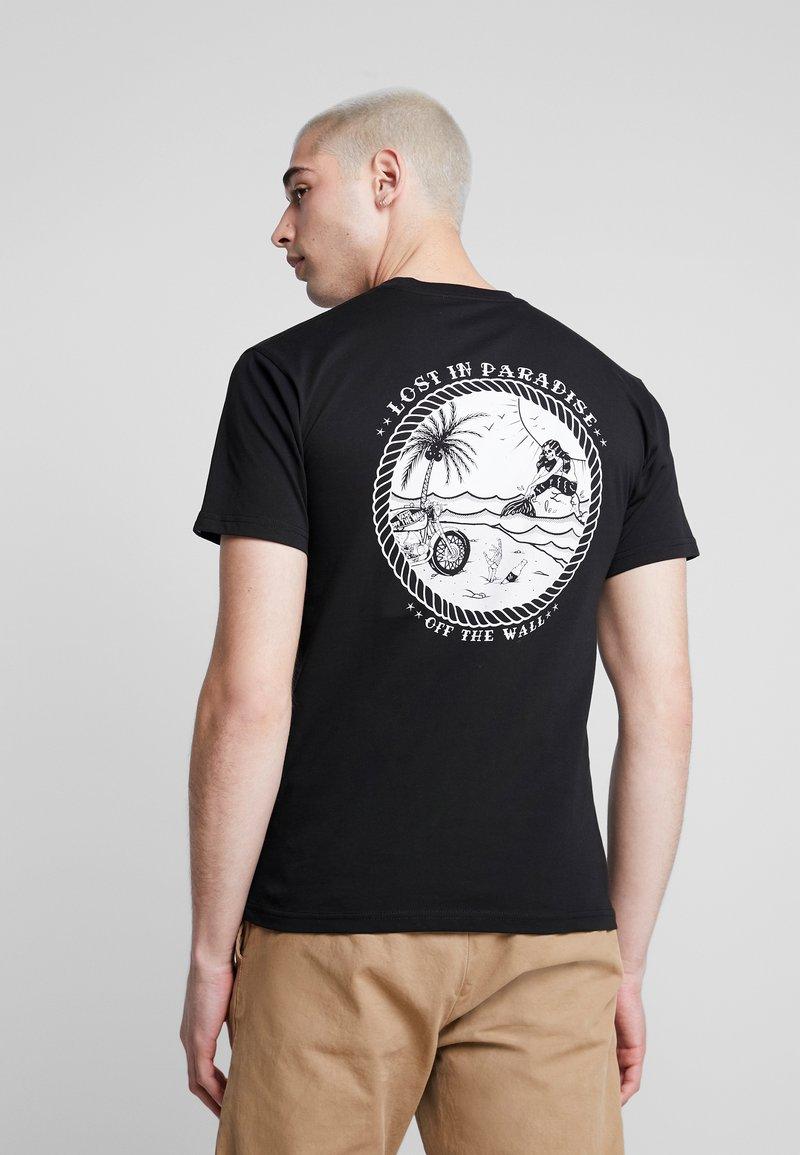 Vans - LOST AT SEA - Print T-shirt - black