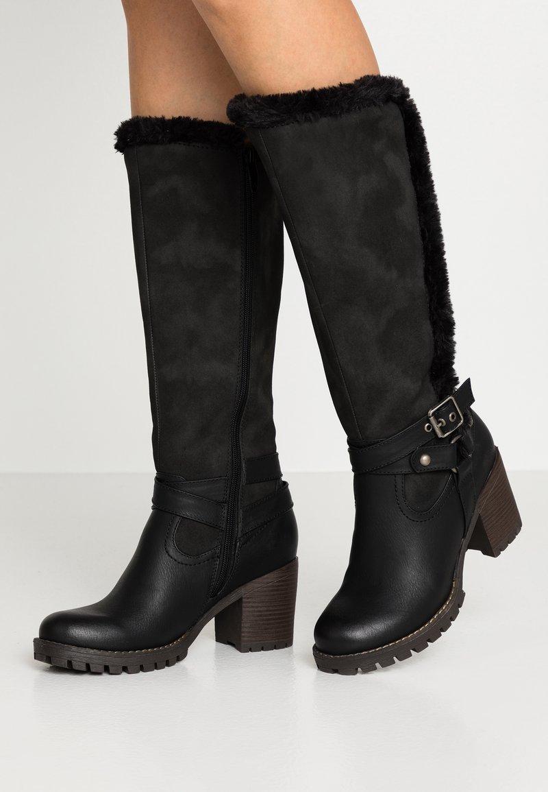 H.I.S - Vysoká obuv - black