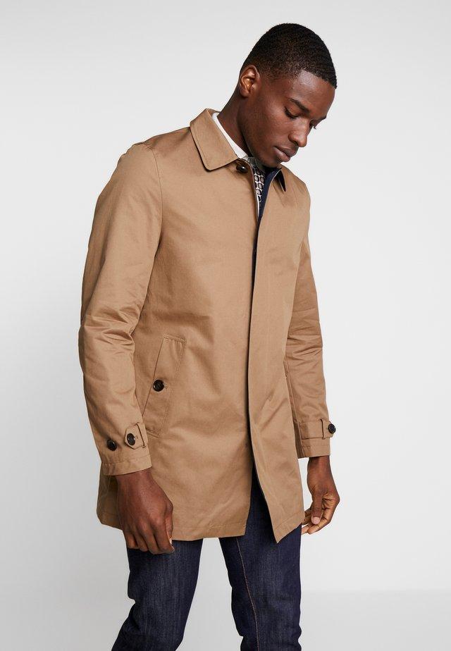 Pitkä takki - tan