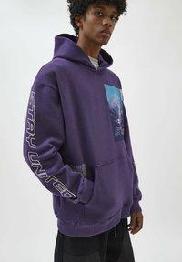 PULL&BEAR - Felpa con cappuccio - mottled purple - 4
