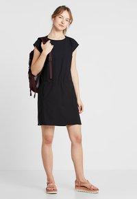 Houdini - DAWN DRESS - Sportovní šaty - true black - 1