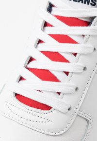 Tommy Jeans - RETRO - Trainers - white - 5