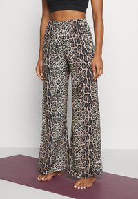 Onzie - FREEDOM PANT - Trousers - beige - 4