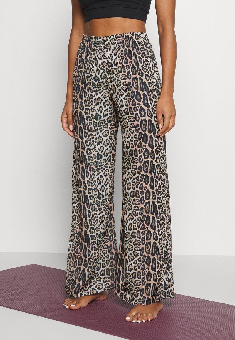 Onzie - FREEDOM PANT - Pantalon classique - beige