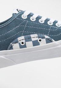 Vans - BESS  - Obuwie deskorolkowe - blue mirage/true white - 6