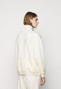 HUGO - DAMBOO - Sweatshirt - natural - 2