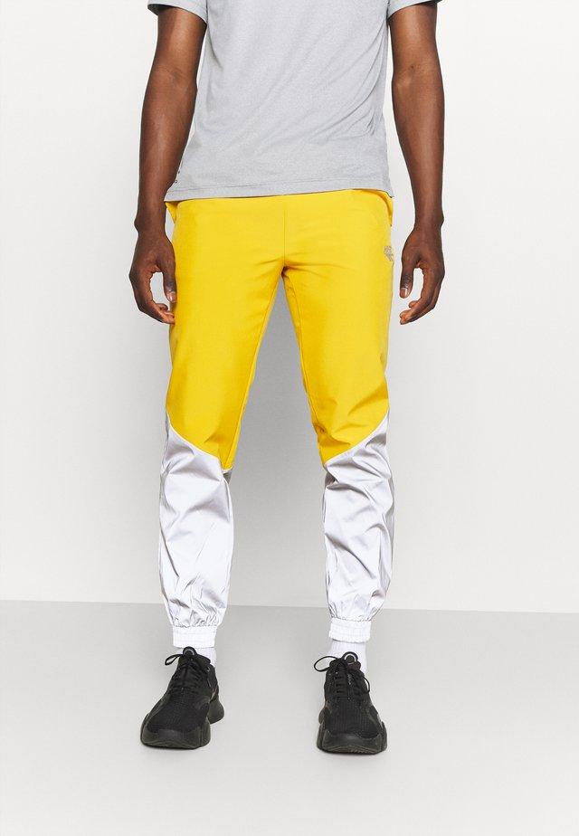 FREDERICK REFLECTIVE TRACK PANTS - Pantalon classique - golden glow