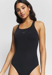 Speedo - ESSENTIAL END MEDALIST - Swimsuit - black - 3
