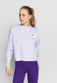 Nike Performance - MIDLAYER CREW REBEL - Camiseta de deporte - lavender mist/white/black - 0