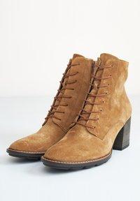 Paul Green - Ankle boots - cognac-braun 027 - 6