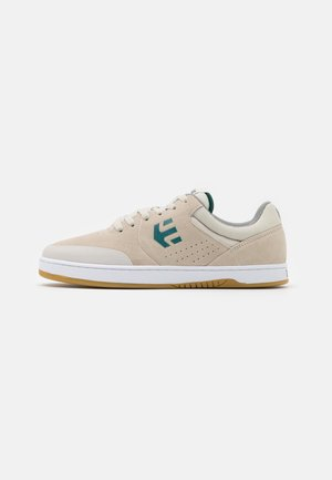 MARANA - Skate shoes - white/green