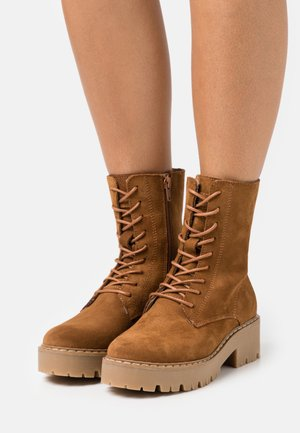 GINTO - Platform ankle boots - tan