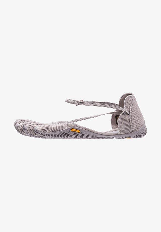 VI-S - Minimalist running shoes - grey