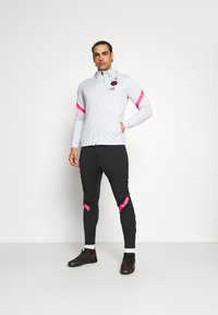Nike Performance - PARIS ST GERMAIN DRY TRACKSUIT - Squadra - pure platinum/black/hyper pink - 0