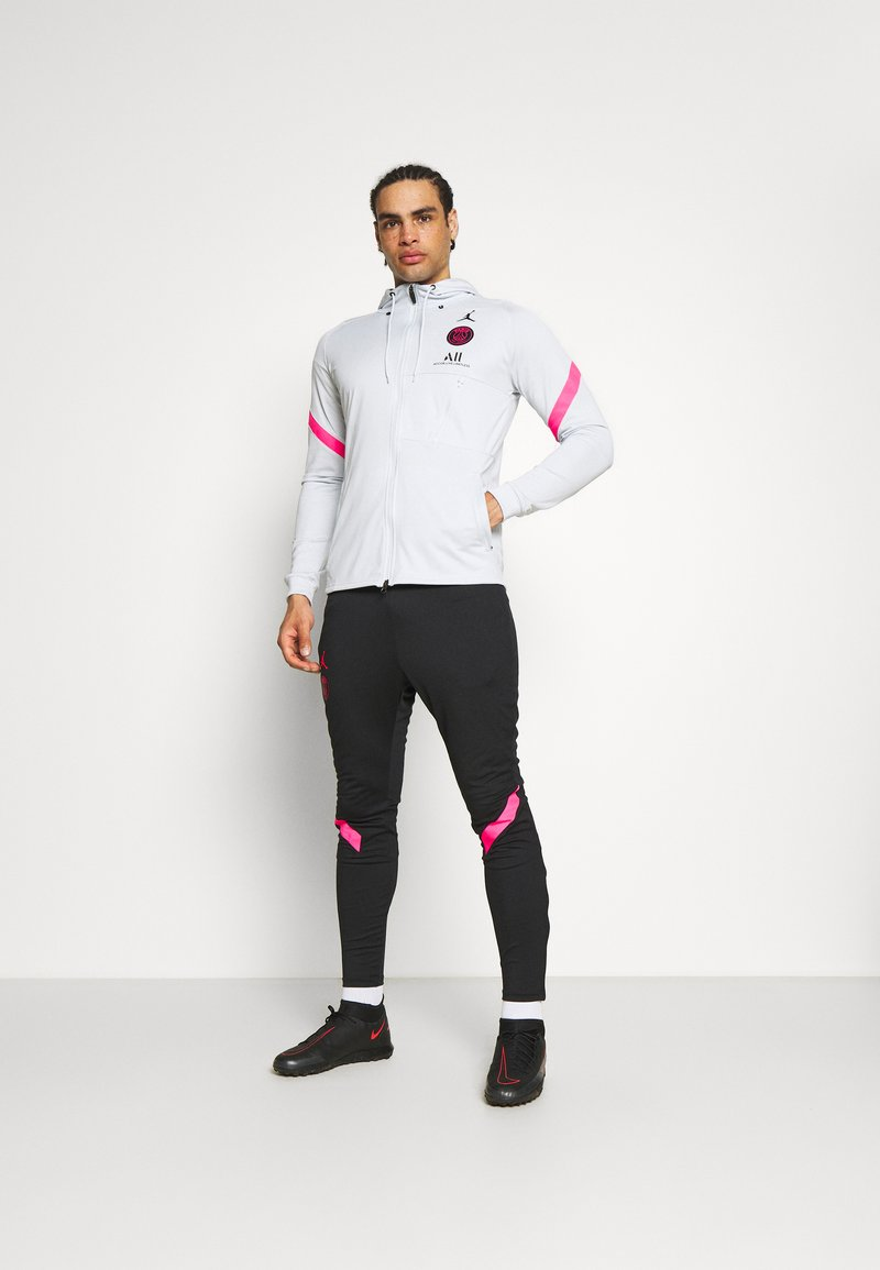 Nike Performance - PARIS ST GERMAIN DRY TRACKSUIT - Squadra - pure platinum/black/hyper pink