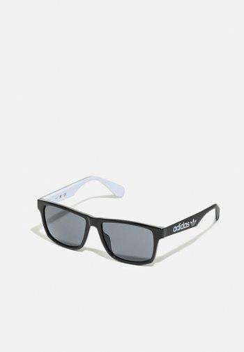 UNISEX - Sunglasses - shiny black/ smoke