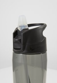 Nike Performance - HYPERCHARGE STRAW BOTTLE 709ML UNISEX - Drikkeflaske - anthracite/white - 2