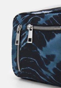 Núnoo - MIMI BATIK HALLOWEEN - Across body bag - black/grey - 3