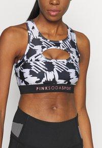 Pink Soda - SCRIBBLE BRA - Reggiseno sportivo - black/white - 5