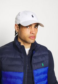 Polo Ralph Lauren Golf - FAIRWAY HAT - Lippalakki - pure white - 0