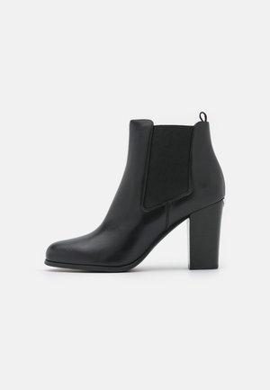 LOTTIE BOOTIE - Kotníková obuv na vysokém podpatku - black