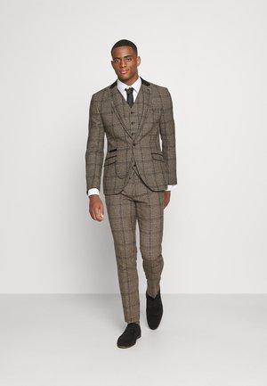 ELLESMERE 3PC SUIT - Suit - tan