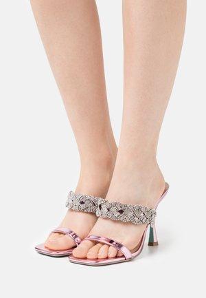 LINA - Pantofle na podpatku - rose