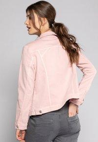 GINA LAURA - Denim jacket - puderrosa - 1