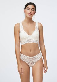 OYSHO - WITH REMOVABLE CUPS - Bustier - white - 1