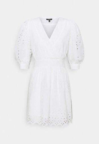 V NECK DRESS - Robe d'été - white