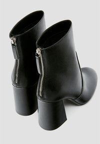 PULL&BEAR - Ankle boots - black - 4