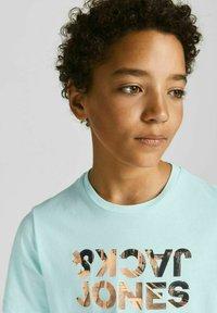 Jack & Jones Junior - Print T-shirt - bleached aqua - 3