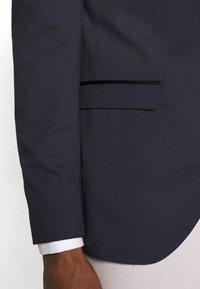 Selected Homme - SLHSLIM SKYLOGAN TUX - Blazer jacket - navy blazer - 4