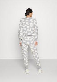 Never Fully Dressed - COPENHAGEN RESERVE TROUSER - Teplákové kalhoty - grey - 2
