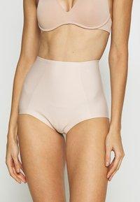 Triumph - MEDIUM SERIES HIGHWAIST PANT - Intimo modellante - nude/beige - 0