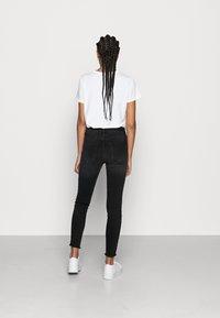 ONLY - ONLBLUSH RAW - Jeans Skinny Fit - black denim - 2