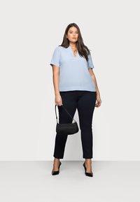 Selected Femme Curve - SLFALLA CURVE - Bluser - cashmere blue - 1
