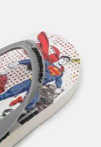 Havaianas - MAX HEROES - T-bar sandals - white/steel grey - 2