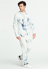 Guess - GUESS JEANSJACKE SLIM - Kurtka jeansowa - hellblau - 1